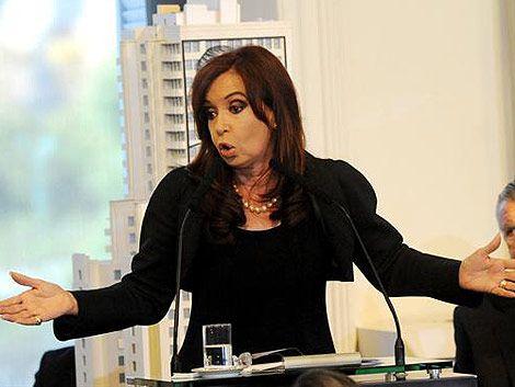 Cristina Fernández cambiará sus ahorros en dólares a pesos