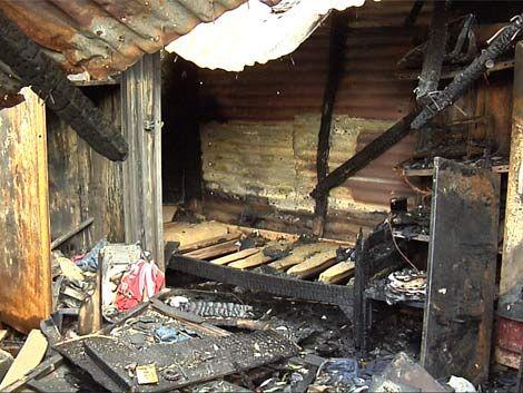 Familia con 5 hijos quedó en la calle tras incendio de su casa