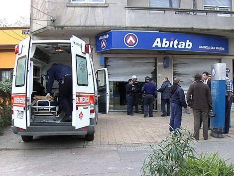 Guardia de seguridad baleado en la cabeza en un Abitab
