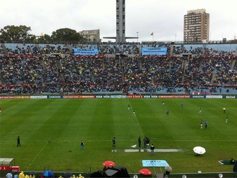 Uruguay a estadio lleno con Venezuela