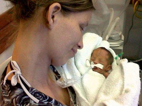 Trasladan a Buenos Aires a la beba que había sido dada por muerta