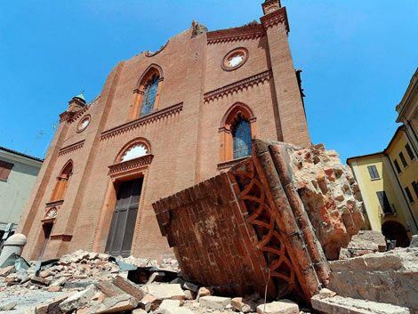 Otro terremoto sacude norte de Italia: quince muertos