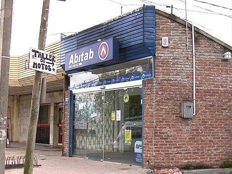 Procesaron con prisión a ladrón que rapiñó Abitab este lunes