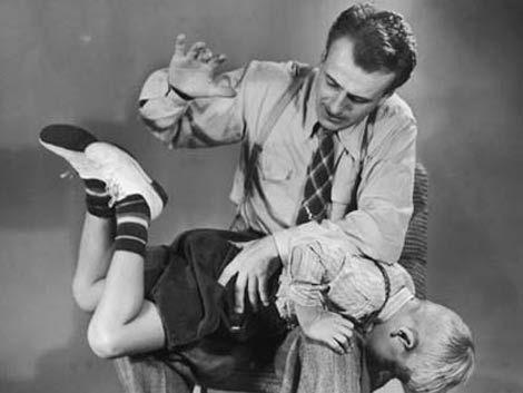 La aceptación del golpe como método de crianza