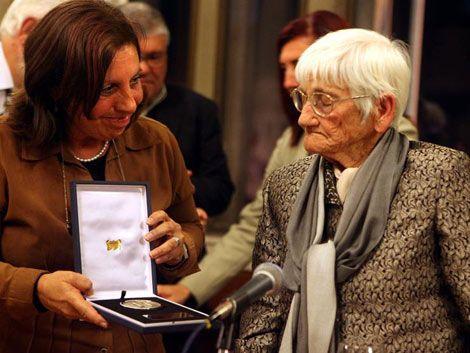 Emotivo homenaje a Luisa Cuesta