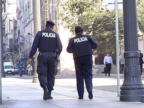 Nuevos policías salieron a la calle; mañana empiezan controles