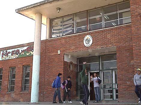 """Tres liceos de Maroñas bajo la amenaza de """"Los Pitufos"""""""