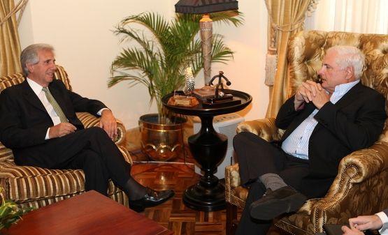 Vázquez presentó el Plan Ceibal al presidente de Panamá