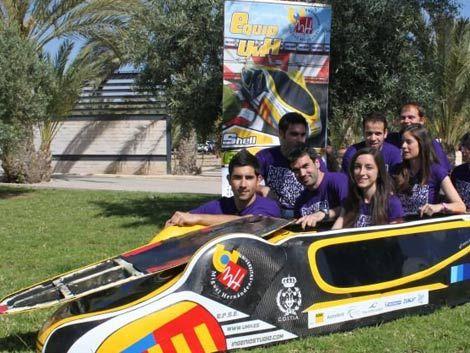 Crean auto que recorre 2.000 kilómetros con un litro de gasolina