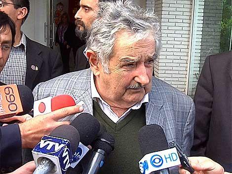 Mujica arremetió contra la oposición por no votar con el gobierno