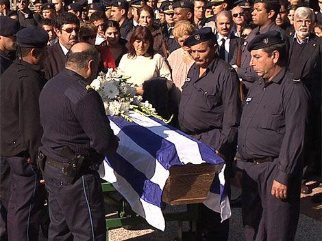 Fue sepultado el policía muerto ayer en Cerro Norte