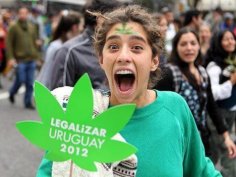 Cientos marcharon por la legalización de la marihuana