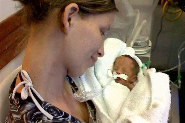 La beba que estuvo 12 horas en la morgue cumple un mes de vida