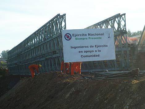 Ejército instaló en 4 días un nuevo puente en ruta 8