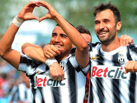 Juventus sigue líder en Italia