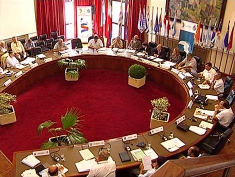 Compromiso de intendentes para libreta única de conducir en 2013