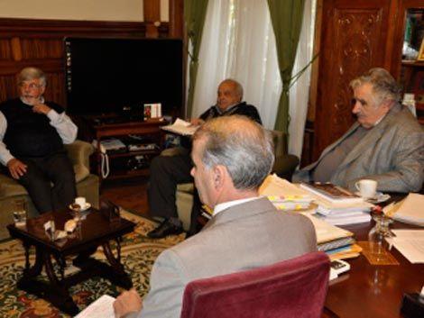 Reunión clave por crisis carcelaria: Mujica