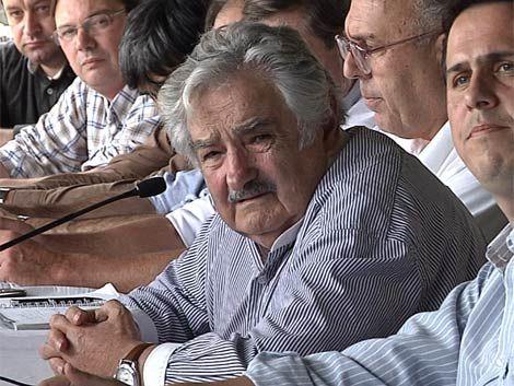 """Mujica: """"Rechazamos la defensa de un país fraudulento"""""""