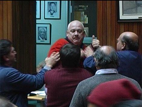 Ediles de Maldonado se tomaron a golpes de puño en la Junta