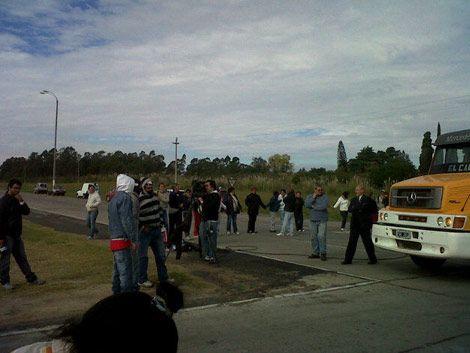 Familiares de los reclusos cortaron la Ruta 1 en protesta