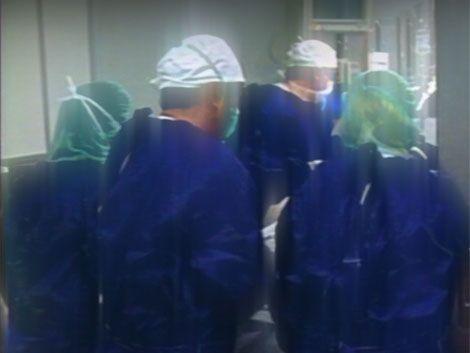 Gobierno revisará condiciones de trabajo de enfermeros en CTI