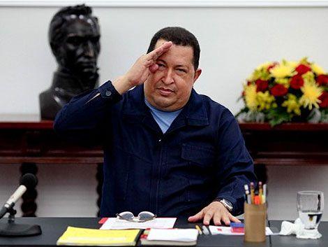 Chávez sale al cruce de rumores sobre empeoramiento de su salud