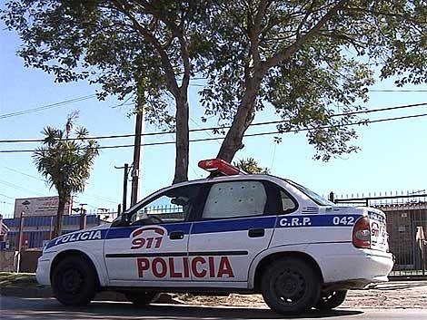 Dos policías a prisión por quedarse con dinero robado