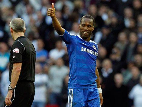 Drogba viaja con el Chelsea y podría jugar contra el Barcelona