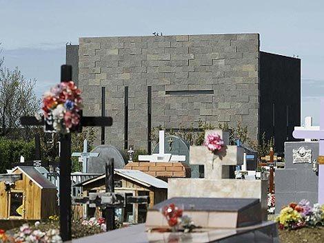 Cristina lleva a la tumba de Kirchner proyecto para expropiar YPF
