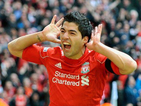 Suárez achaca a la mala fortuna la falta de gol del Liverpool