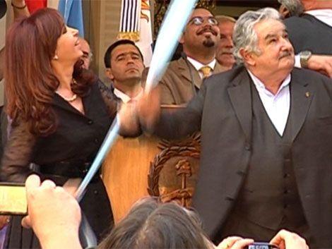 Avanza acuerdo definitivo de información tributaria con Argentina