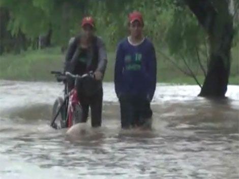 Alerta en Melo por nuevas inundaciones y falta de agua potable