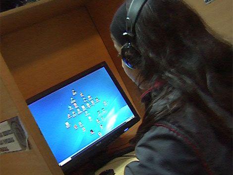 El 64% de los montevideanos usa Facebook o Twitter