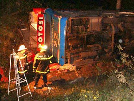 Doce muertos y 50 heridos en accidente de tránsito en Argentina