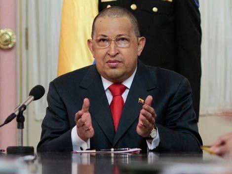 Hugo Chávez internado con dolor intestinal severo