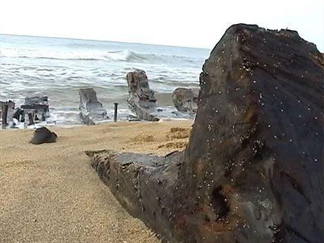 Arqueólogos hallan galeón hundido en la Laguna de Rocha