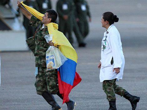 Las FARC liberaron a sus últimos 10 rehenes uniformados