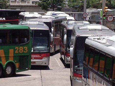 Turistas demorados por controles de ómnibus en Brasil