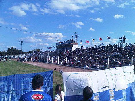 Triunfo histórico de Cerro Largo en Melo: 4 a 2 a Nacional