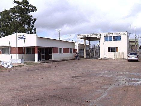 Matan a puñaladas a un preso de la cárcel de Canelones