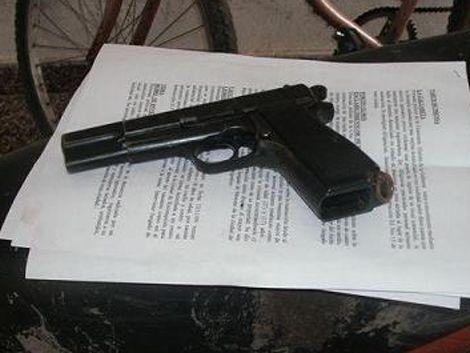 Alumno de UTU amenazó con un arma al director