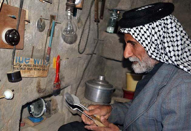 El hombre perseguido por Hussein que vivió 22 años en un sótano