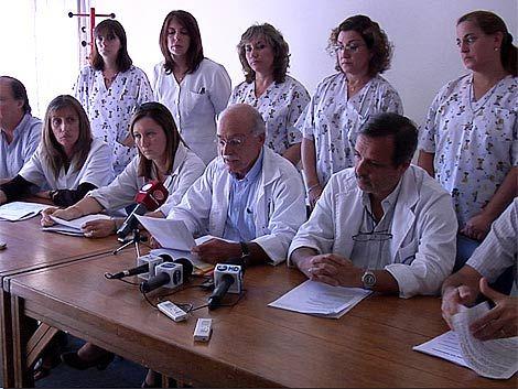 Médicos de la Peluffo postergan renuncia y se abre negociación