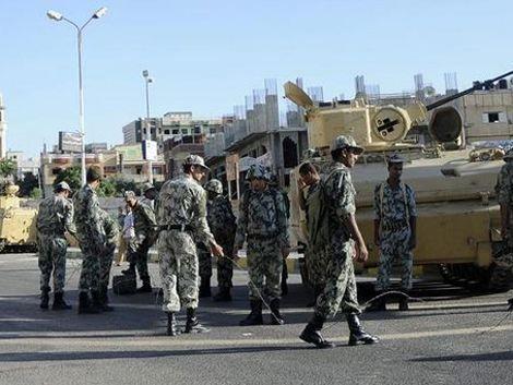 Postergan juicio a beduinos; campamento de ONU continúa sitiado