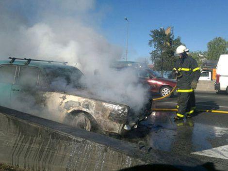 Anarquistas porteños iniciaron revolución de los autos quemados