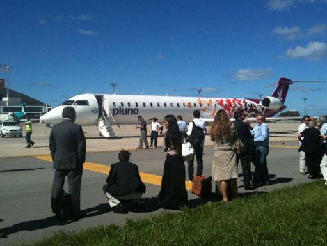 Evacuaron dos aviones a punto de despegar en el Aeropuerto