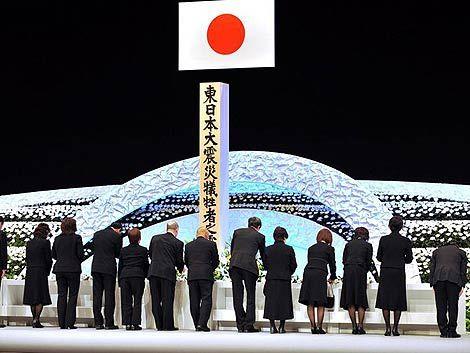 Japón recuerda a sus víctimas en el aniversario del tsunami