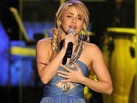 Shakira paró su auto