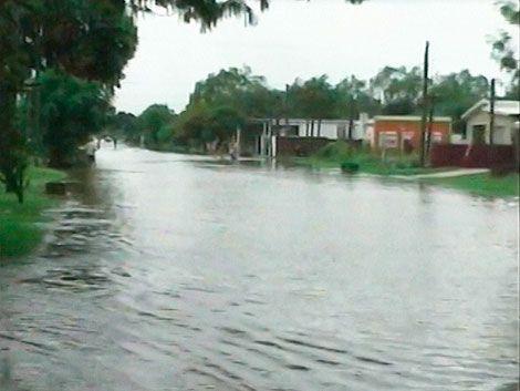 Damnificados por las inundaciones en Rocha vuelven a sus hogares