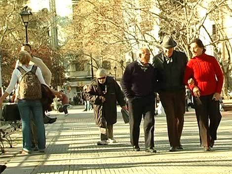 Jubilados podrán reingresar al mercado laboral formal